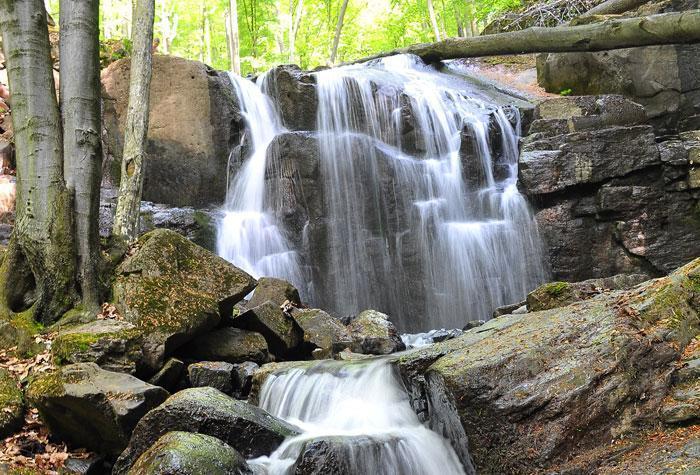 divcibare vodopad skakalo